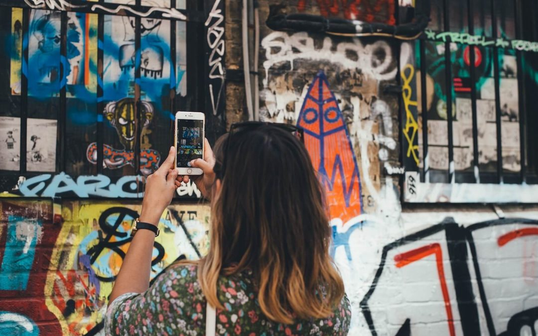 10 Essential Art Hashtags on Instagram