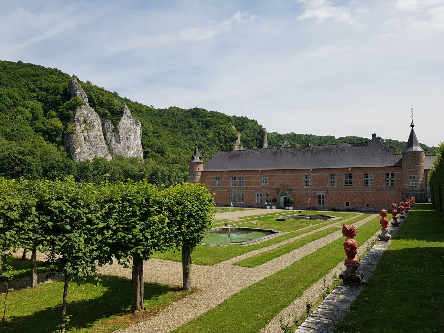 Discovering the Province de Namur in 5 days - Culture, Cycling & Camping