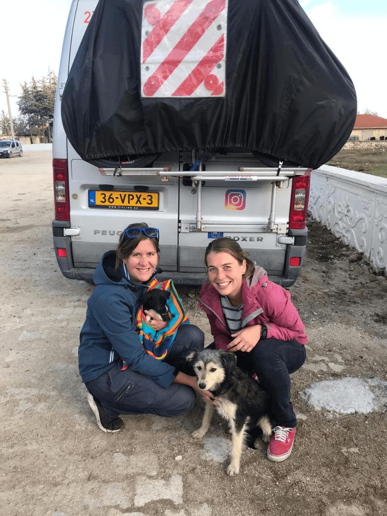 Dutch vanlifers teachers on tour fulltimers