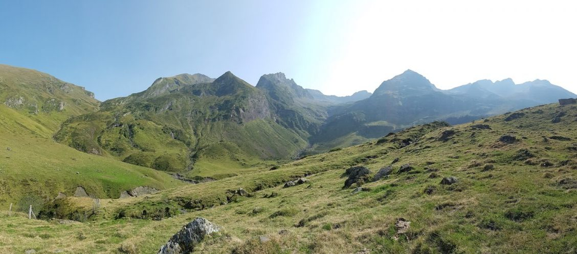 Hiking in the Pyrenees - A Beautiful Day Hike in the Vallee de Louron, from Loudenvielle