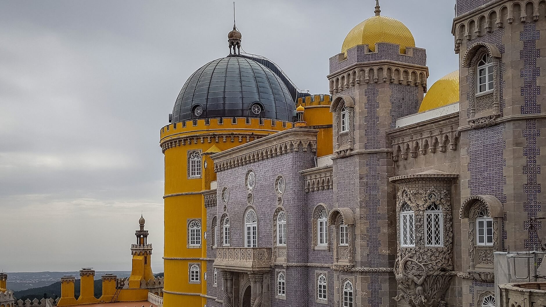 Transport in Sintra, Portugal - Trains to Sintra, Sintra Bus 403 and 434, Taxi's, Tuktuks, Trams and more