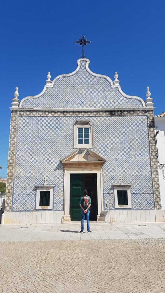 Things to do in Tavira - old building